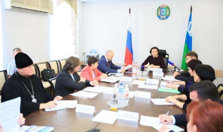 Властям ХМАО предложили уделить внимание русской культуре