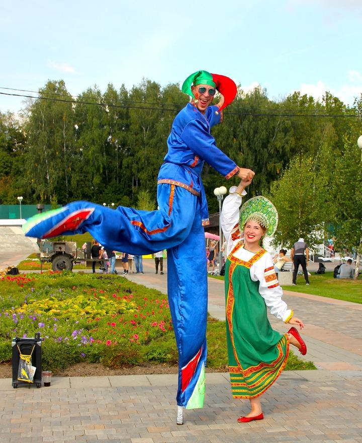 Отличать шашлычника от кузнеца учились в Новой Москве