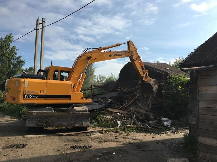 В Плеханове снесли еще семь цыганских домов