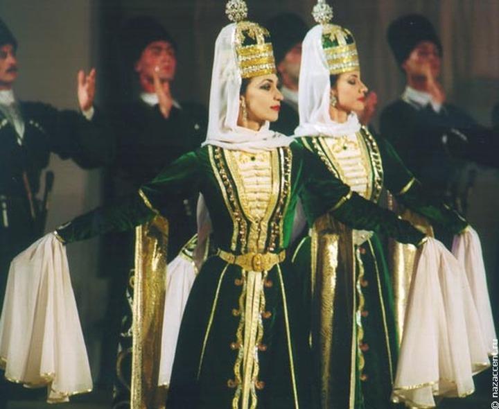 Древний чеченский аул появился в Грозном в честь Дня города