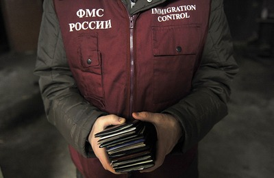 СПЧ предложил смягчить запреты на въезд мигрантам-нарушителям