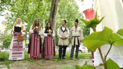 Крымские болгары высадили Аллею роз в Симферополе