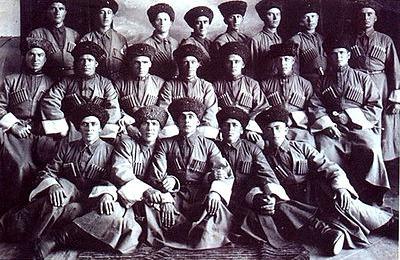 Экспедиция из Кабардино-Балкарии почтила память бойцов 115 кавдивизии