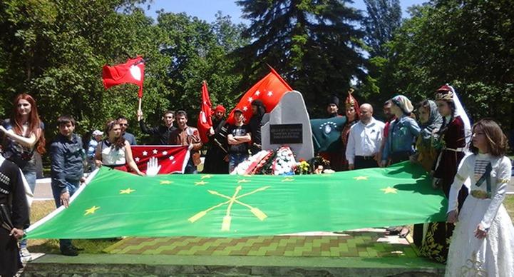 В КБР шествие в честь 151-летия окончания Кавказской войны возглавили 70 всадников