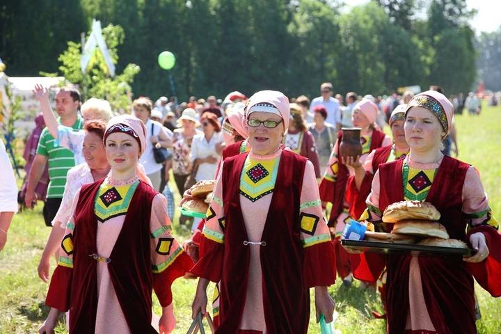 """Удмуртский """"Воршуд"""" посвятили семейным обрядам финно-угорских народов"""