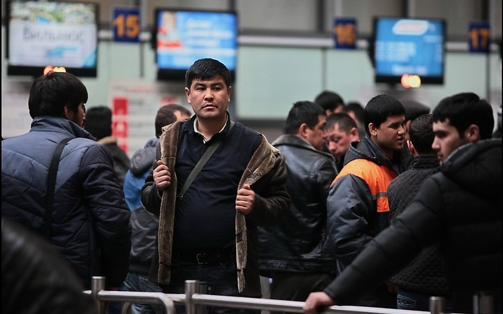 Опрос: Россияне стали лояльнее к мигрантам