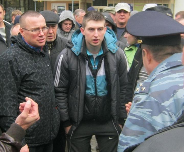 В Рязани таксисты вышли на антимигрантский митинг