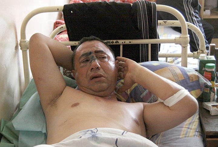 Ярославль: Стрельба сотрудника ФСБ  переросла в массовую драку и  избиение  ОМОНом азербайджанцев, пострадали 17 человек
