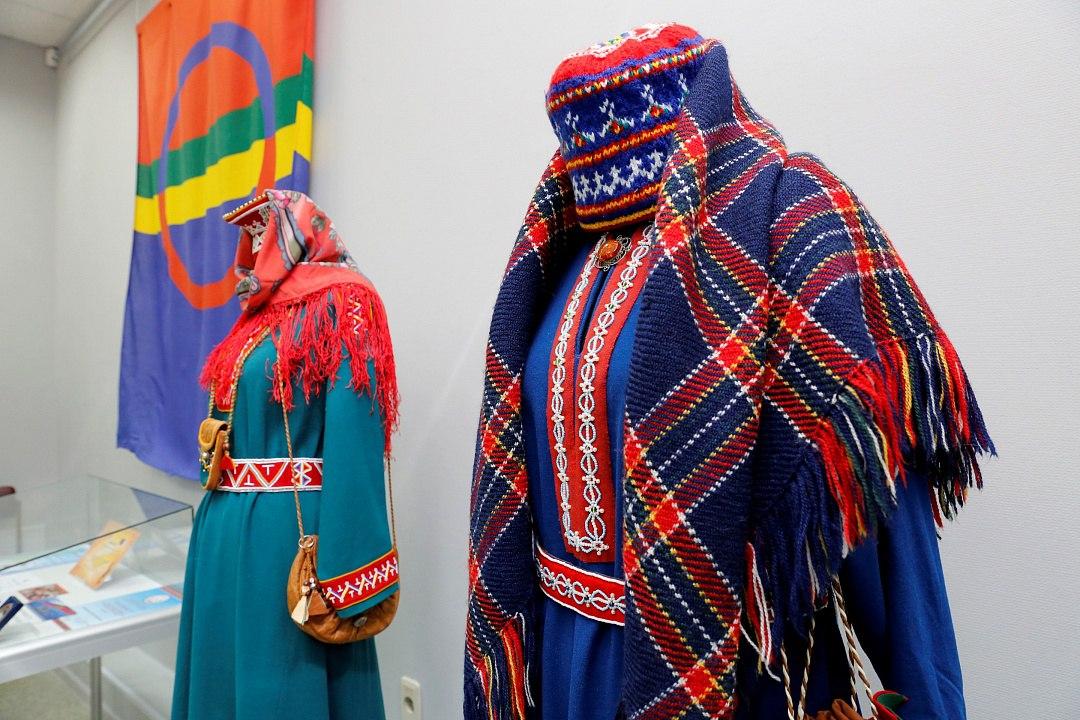 футболках, картинки костюмы саамов воздушная