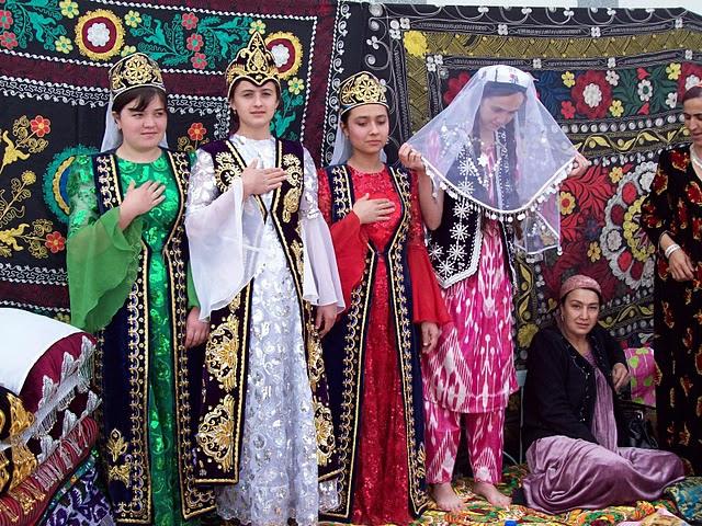 женская таджикская одежда
