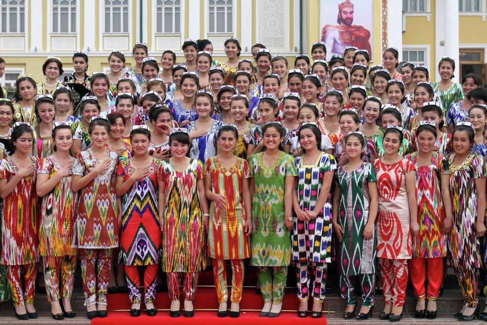 современный таджикский костюм