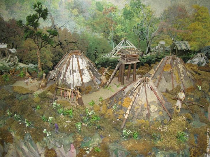 макет древнего жилища нанайцев