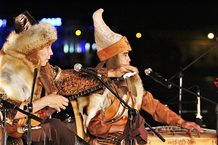 театральный фестиваль науруз в Казани