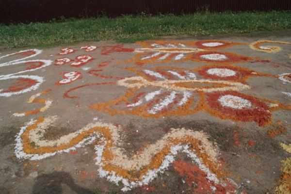 """Обычай рисовать узоры из песка вспомнят на празднике """"Волченские узоры"""" в Липецке"""
