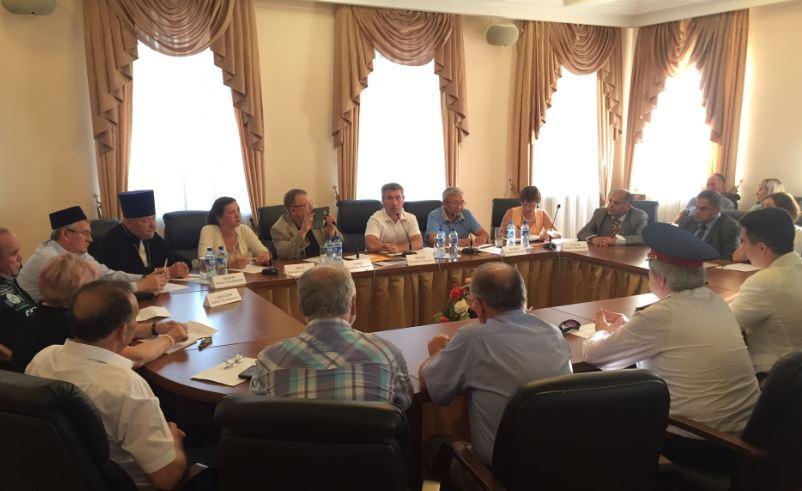 Круглый стол с национальными активистами Чувашии